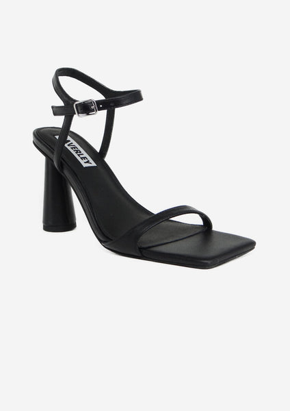 Maple Heel Black