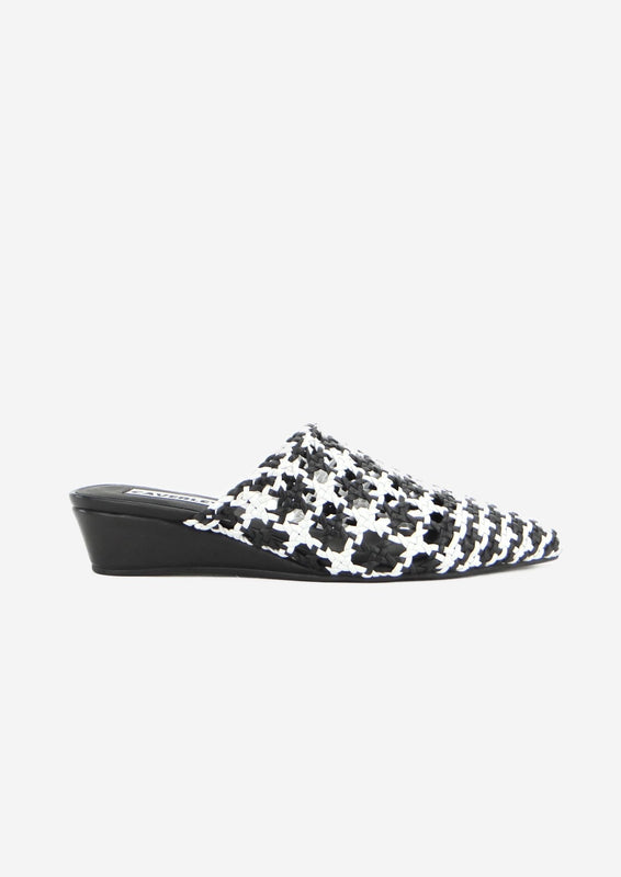 Janice Wedge Black/White Weave