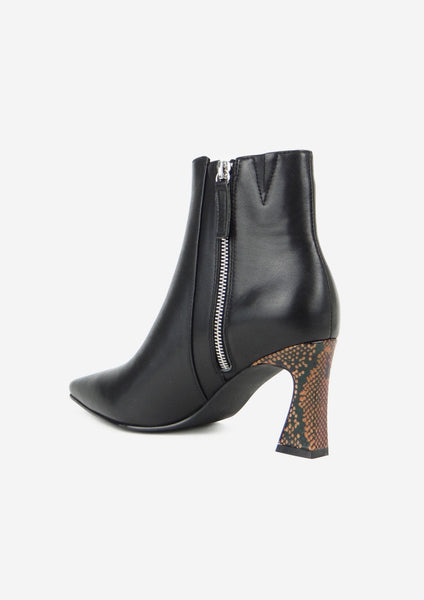 Brenna Boot Black/Snake